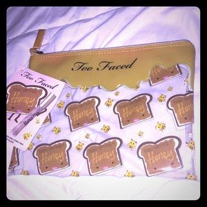 Handbags - NEW TOO FACED HONEY PEANUT BUTTER TOAST MAKEUP BAG